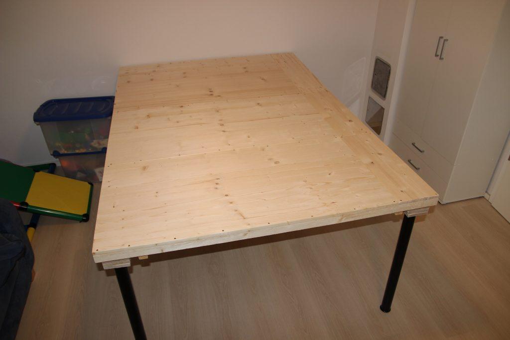 Spieltisch für Warhammer und andere Tabletop-Spiele (200 cm x 140 cm)